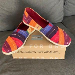 Rainbow Multi-Stripe Woven Toms Size 9